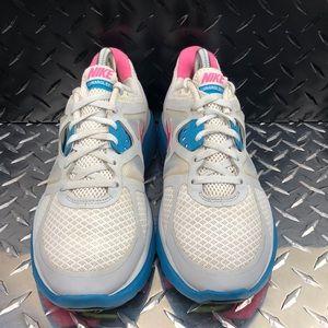 Nike Shoes - Nike Lunar Glide 3